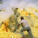 09-yellow-sulfur-mount-ijen-trekking